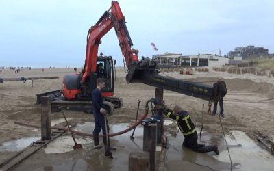 Heipalen ingehamerd door waterdruk – Egmond aan Zee